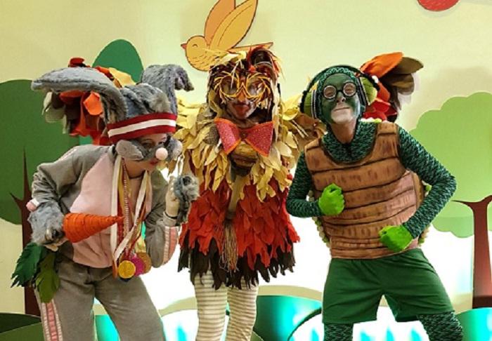 Teatro do Clubinho - A Tartaruga e a Lebre (HOR)