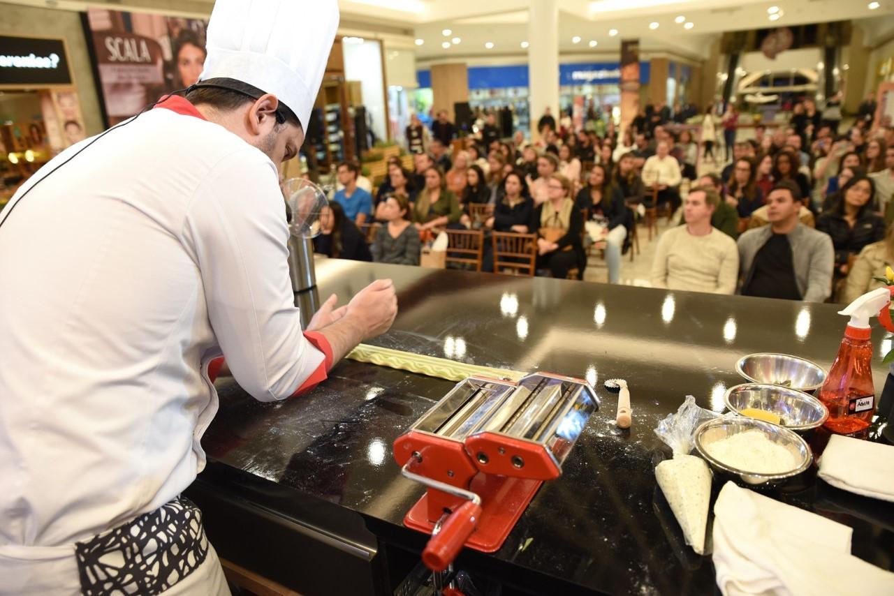 thumbnail_Temporada Gourmet - Alexandre da Menu - f (foto RF)