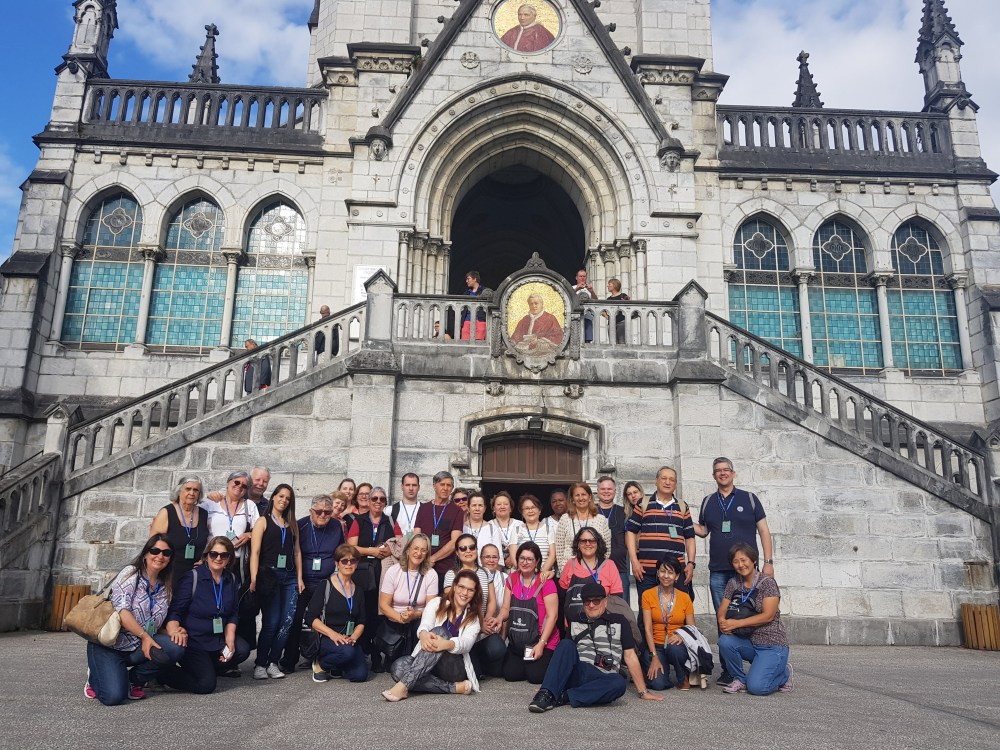 Grupo de Lourdes, na França
